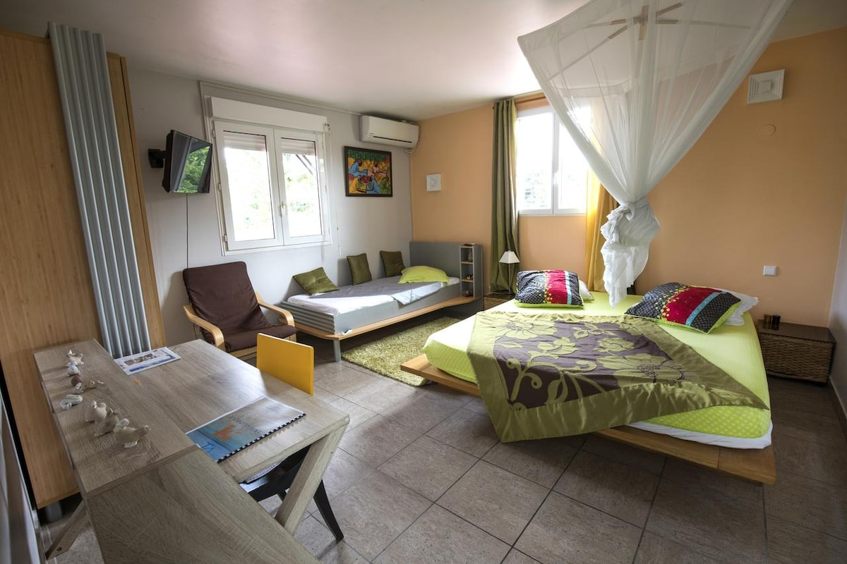 Redoute Paradise Carambole - Bed and breakfasts for Rent in Fort-de ...