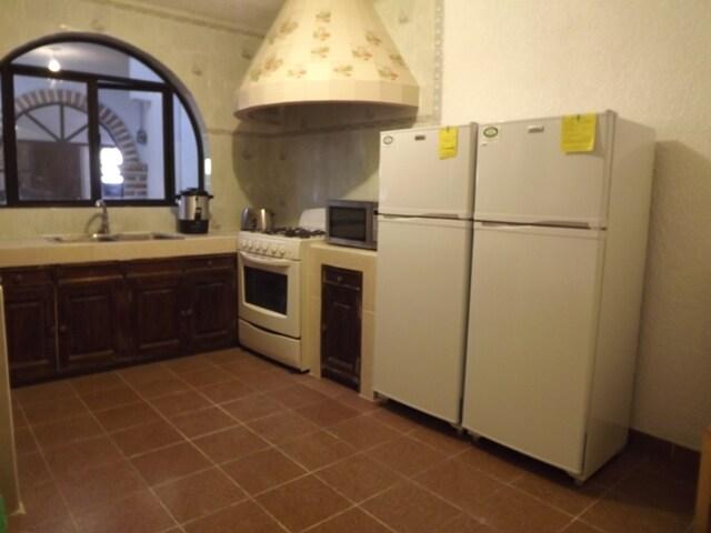 La cocina es comun!! Esta totalmente equipada!!