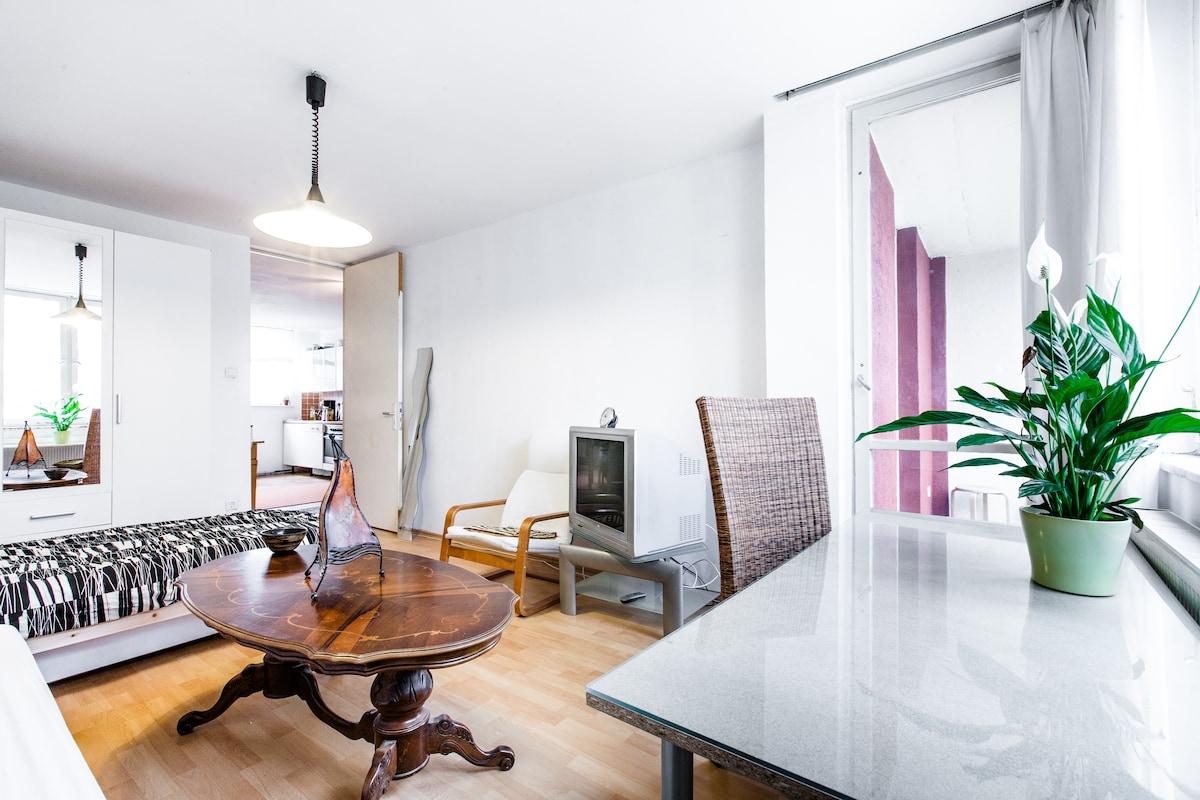20m² Zimmer mit 4m² Balkon