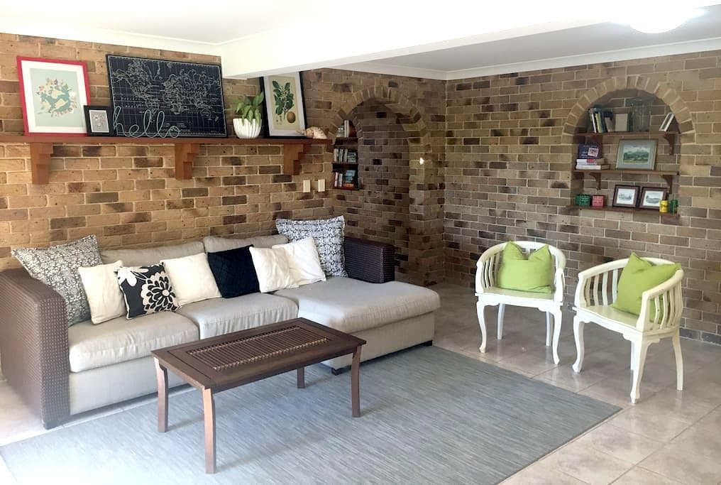 Tropical Garden Retreat - Walk to Beach and Town - Lennox Head - Hus