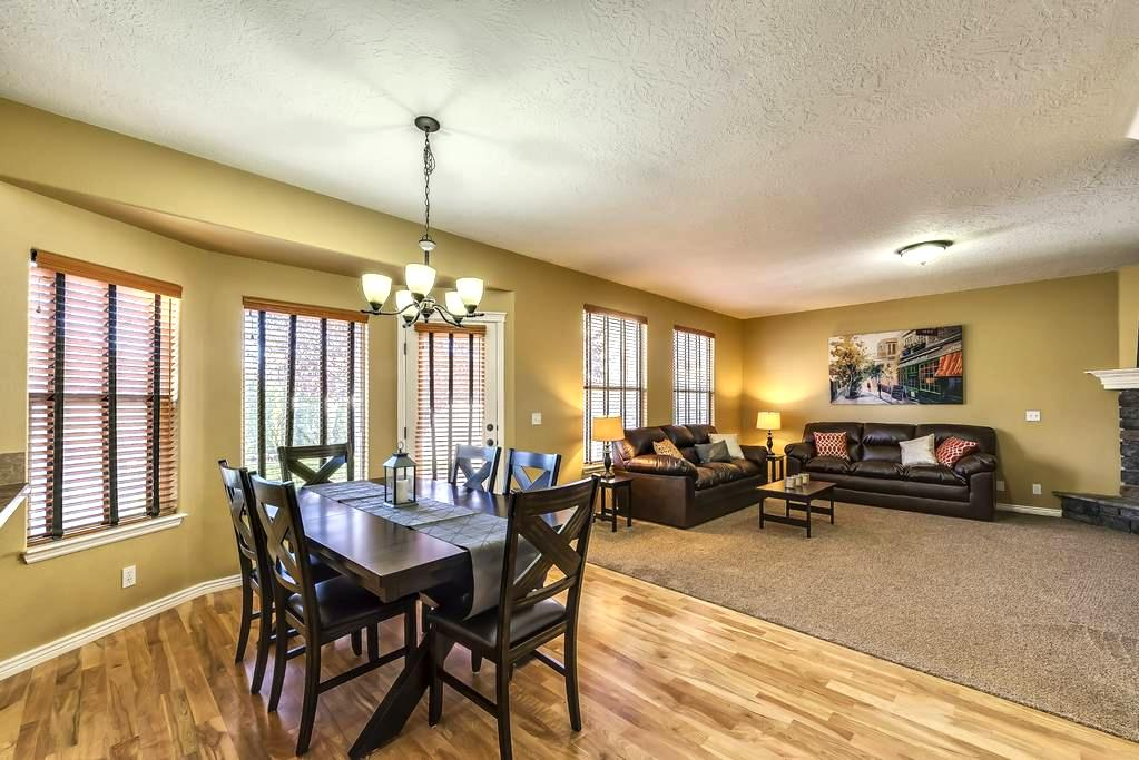 4 BDRM located next to EVERYTHING! - Meridian - Casa