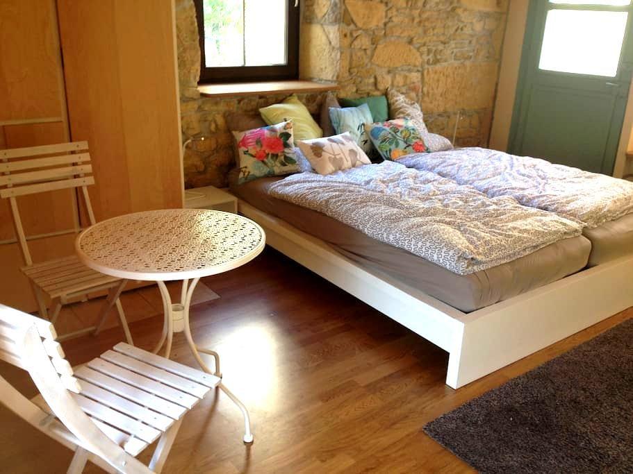 charmante chambre indépendante - Saint Blaise - Bed & Breakfast