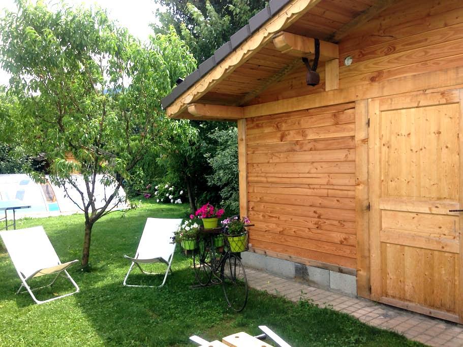 La cabane au fond du jardin - Domancy - Blockhütte
