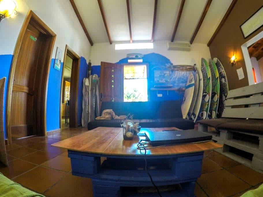 Relaxing House (private room) - tarajalejo - Haus
