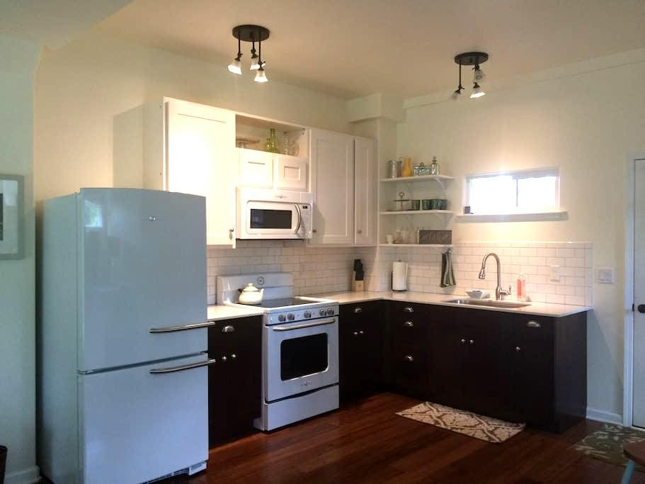 New Spacious Studio Apartment - Lawai