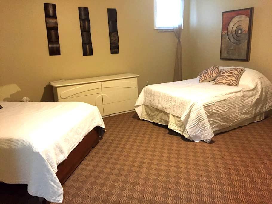 Niagara Escarpment Family Room - Duntroon