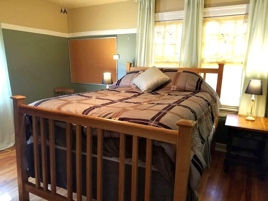 Home away from Home, Cozy 3 - Waynesville - House
