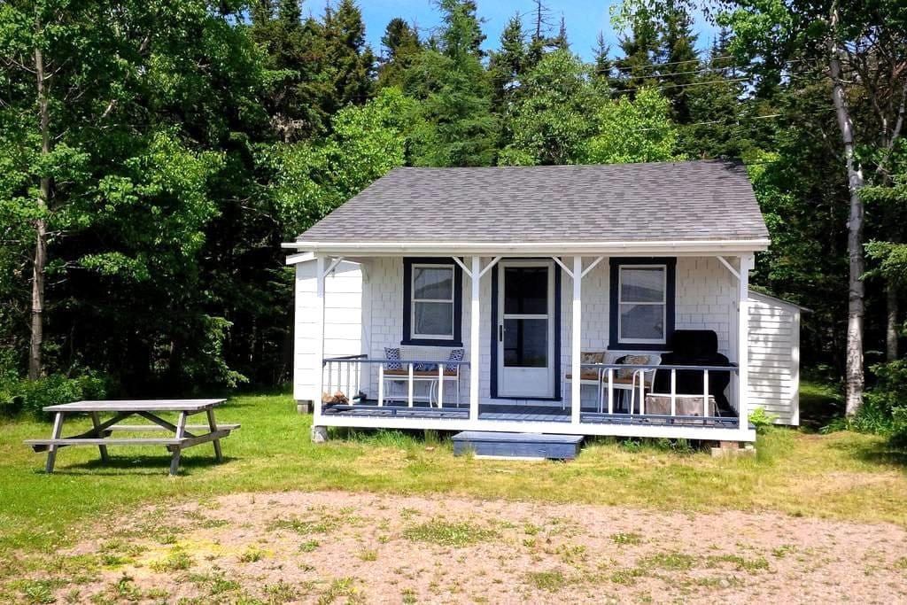 Cottage on Spectacular Bay of Fundy - Parrsboro