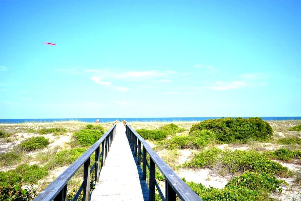 Oceanfront Townhome with Great Views - Fernandina Beach