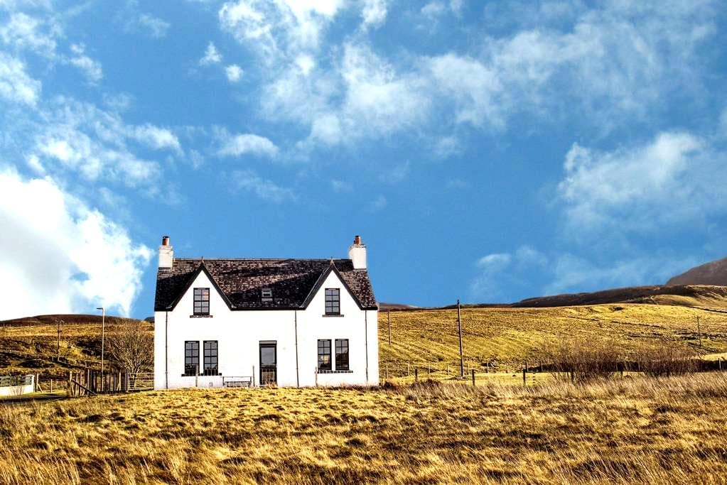 Contemporary Scottish Cottage - Kilmuir - Ev