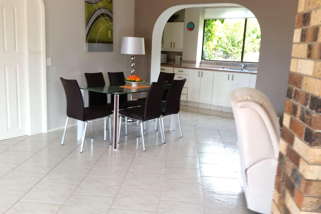 Tranquil and tropical surrounds - Terranora - Apartment