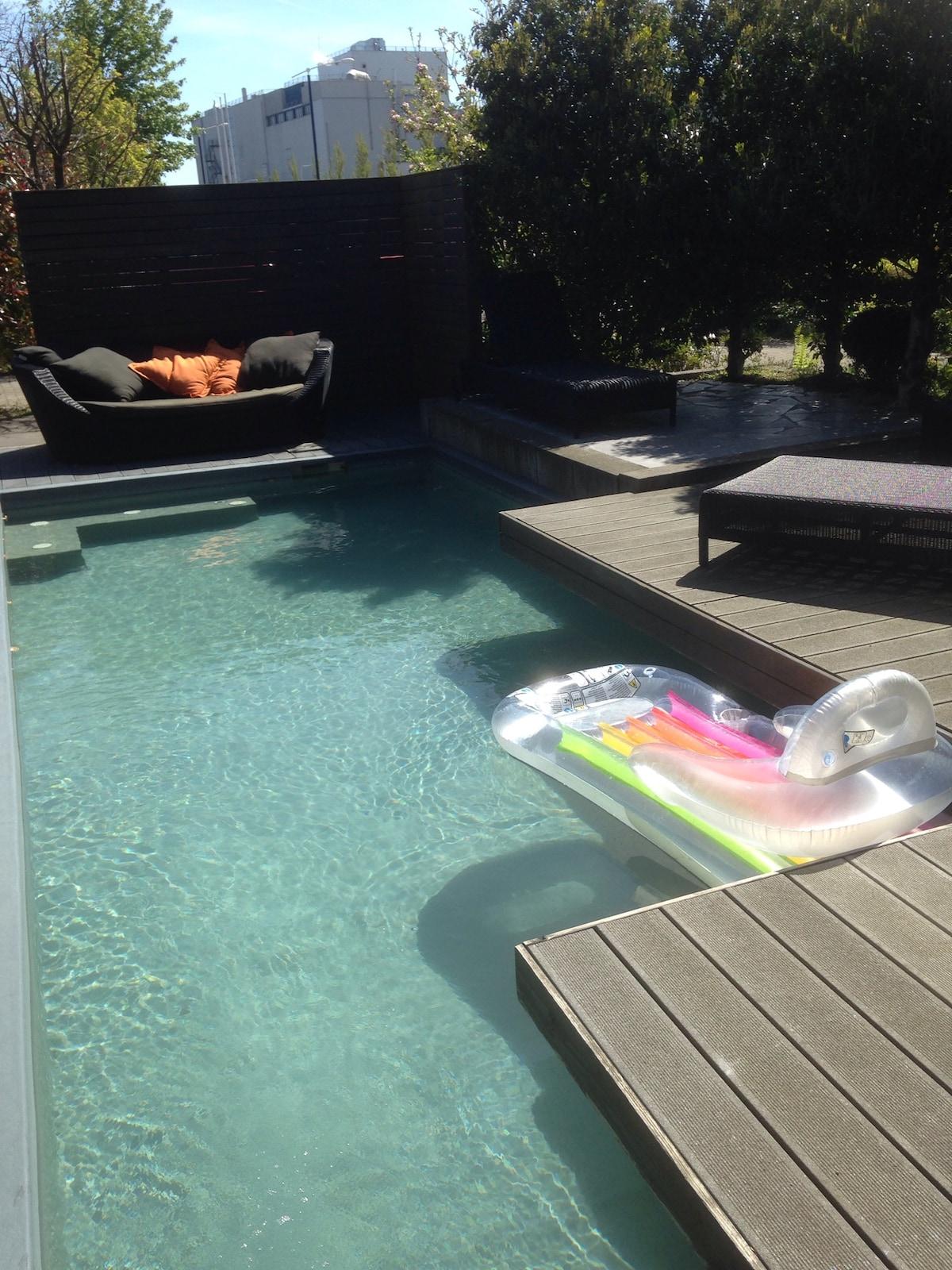 wellness villa met 8 persoons jacuzzi en zwembad villas for rent