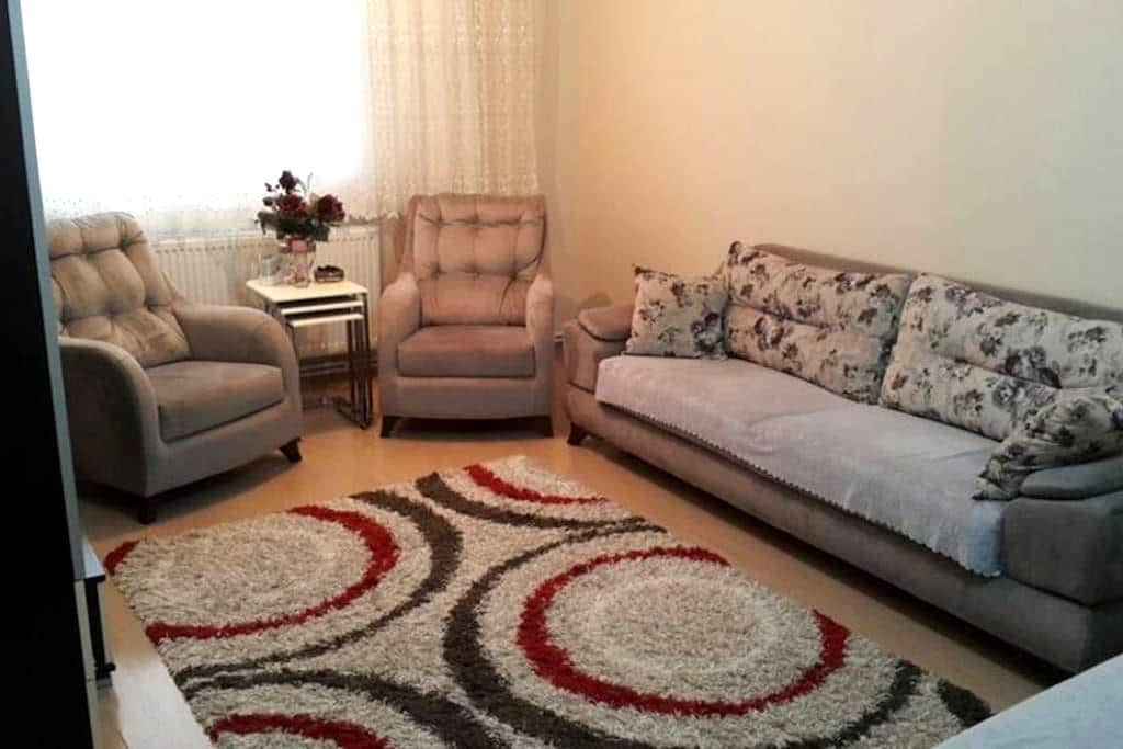Private room for who need a safe home in İzmir - Konak - Talo