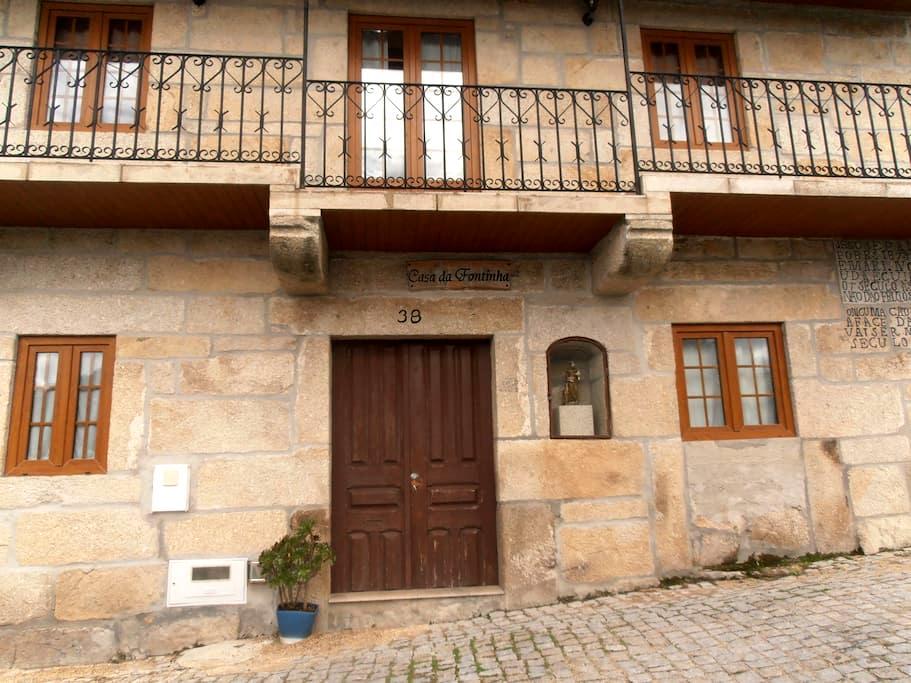 Quartos Duplos - Double Bedrooms - Castro Daire - Hus
