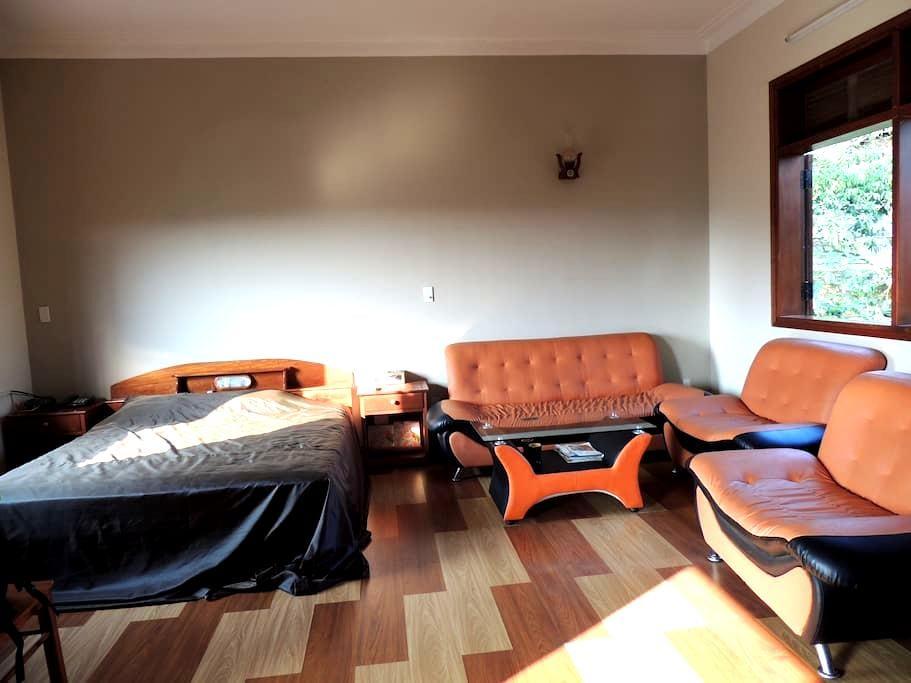 Master bedroom near Lagi Coco - tp. Bảo Lộc - House