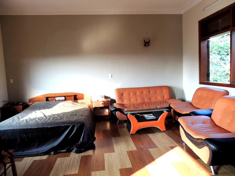 Master bedroom near Lagi Coco - tp. Bảo Lộc - Hus