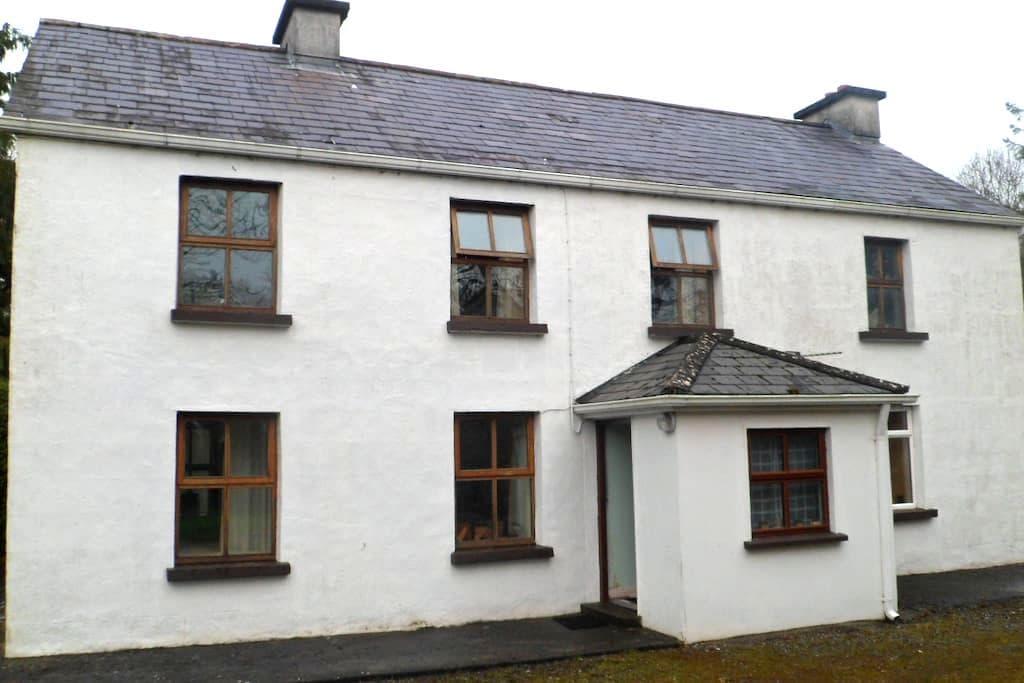 Oranmore farmhouse - Oranmore - Casa