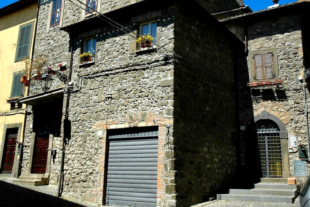 Montefiascone casa vacanze LaRocca centro storico - Montefiascone - House