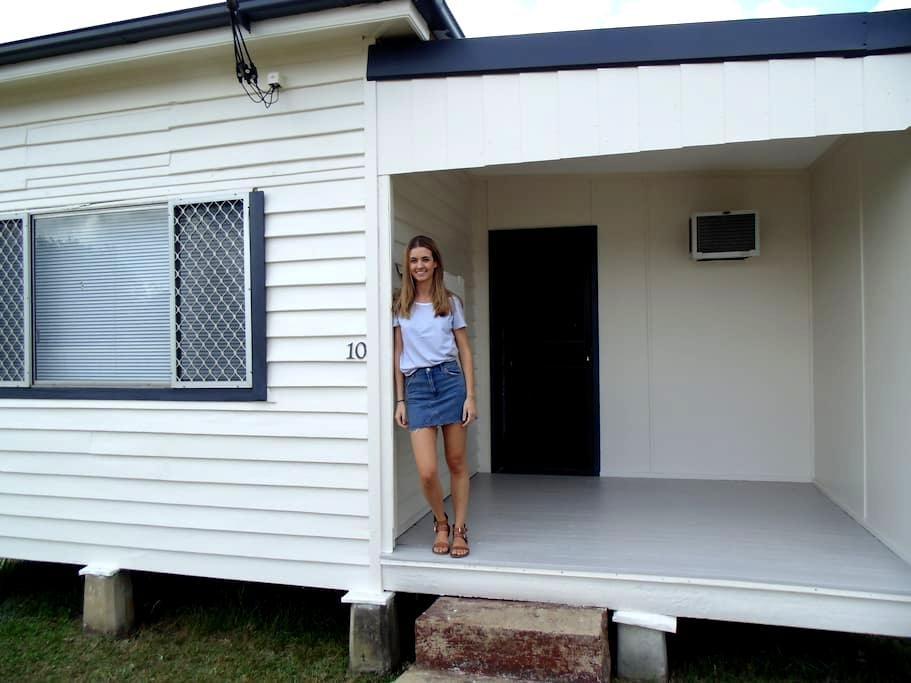 Cute little Cessnock house - Cessnock - Casa