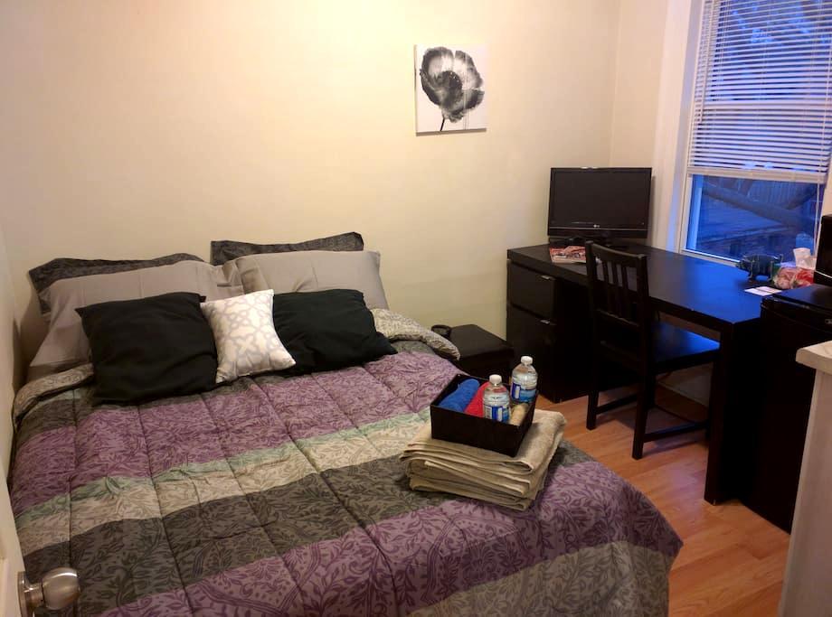 Cozy Private Suite w/ Kitchenette & Double Bed! - Hamilton - Talo