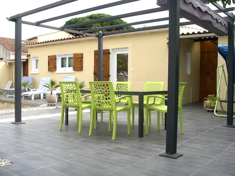 T2  indépendant 32 m2 avec parking - La Seyne-sur-Mer - Hus