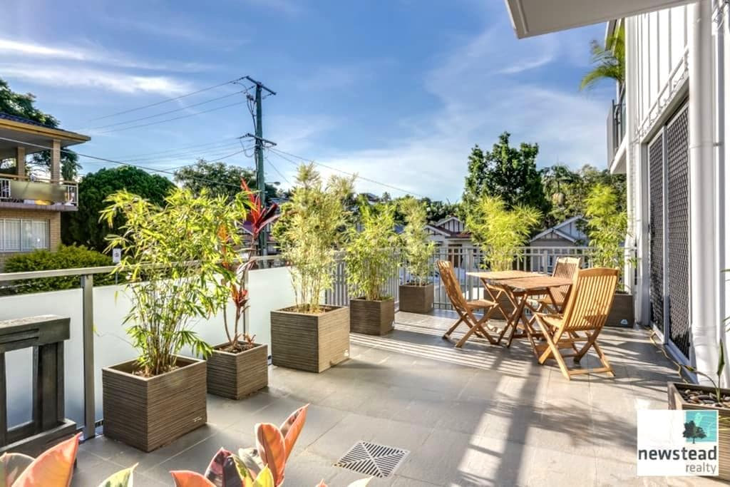 Elegant Inner City Home near QUT - Kelvin Grove - Apartment