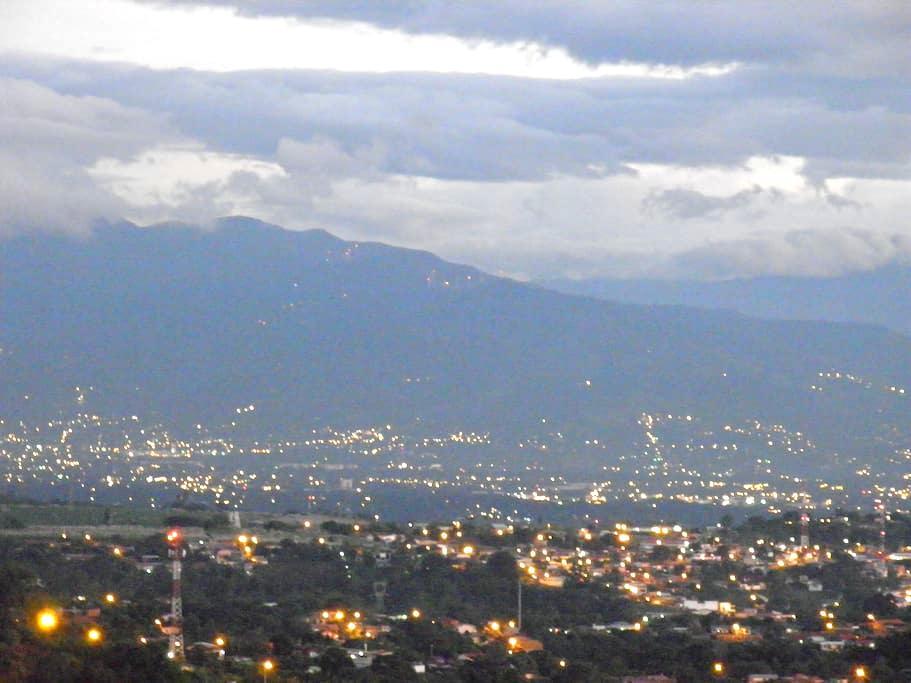 COSTA RICA--SARCHI, BEAUTIFUL VIEWS - San Pedro-Sarchi - Apartamento