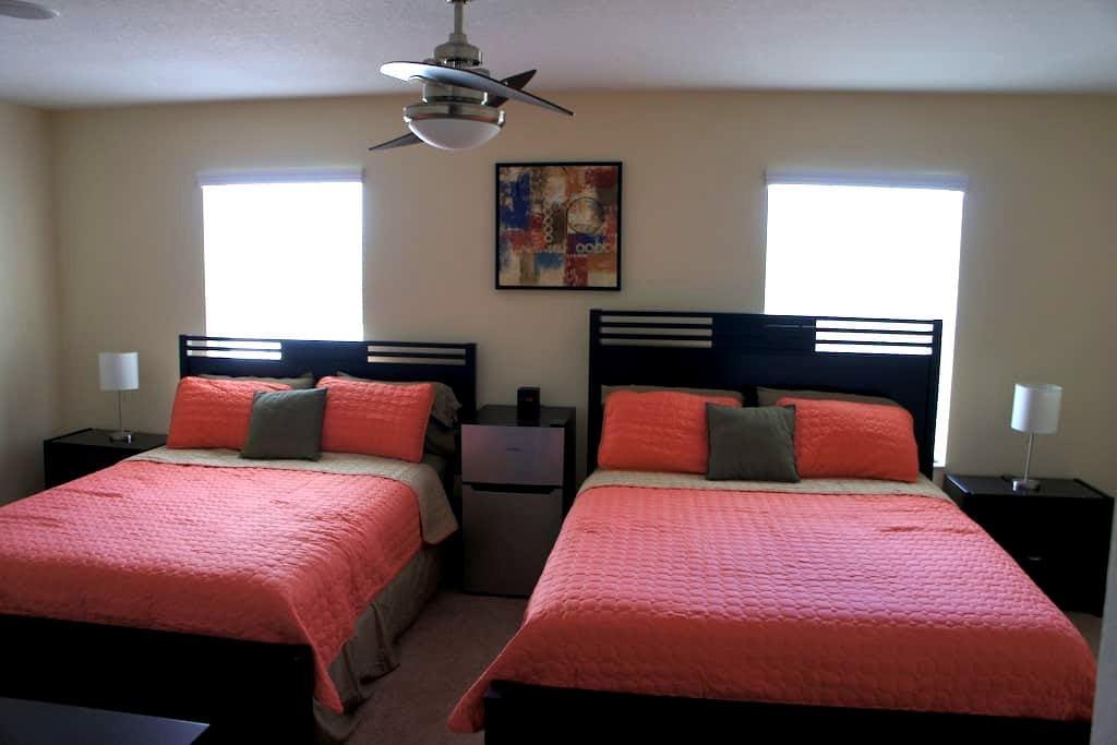 Brand new home close to Airport - Orlando - Complexo de Casas