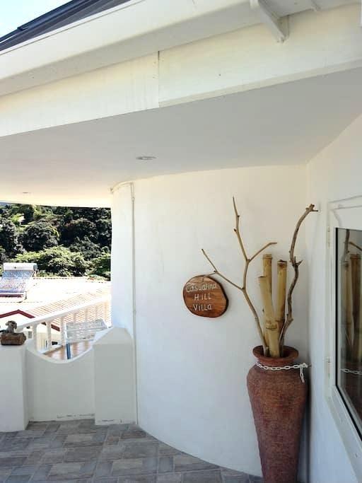 Casuarina Hill Villa - Beau Vallon - Apartamento