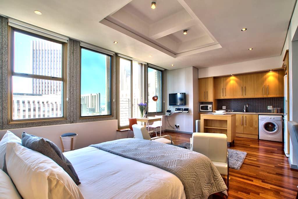 City Center Studio, free park,&WiFi - Kaapstad - Appartement