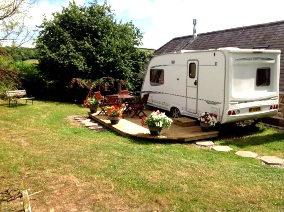 A Beautifully quiet & Unique Caravan experience. - Ashburton - Outros