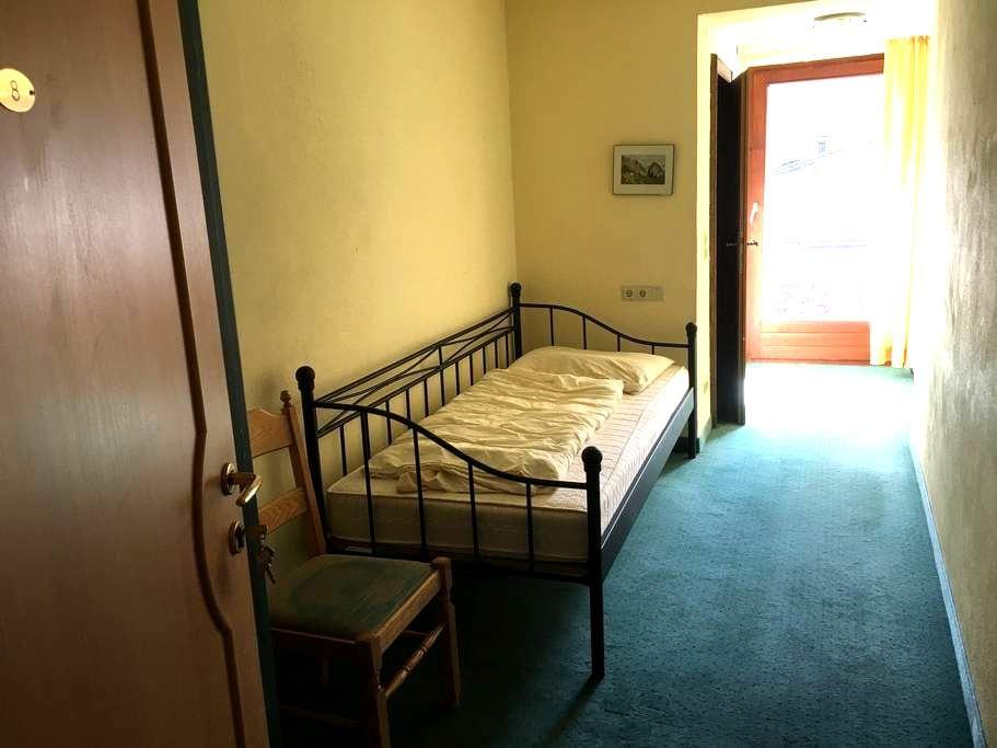 Single room in Söll with shared Balcony (Z8) - Söll - บ้าน