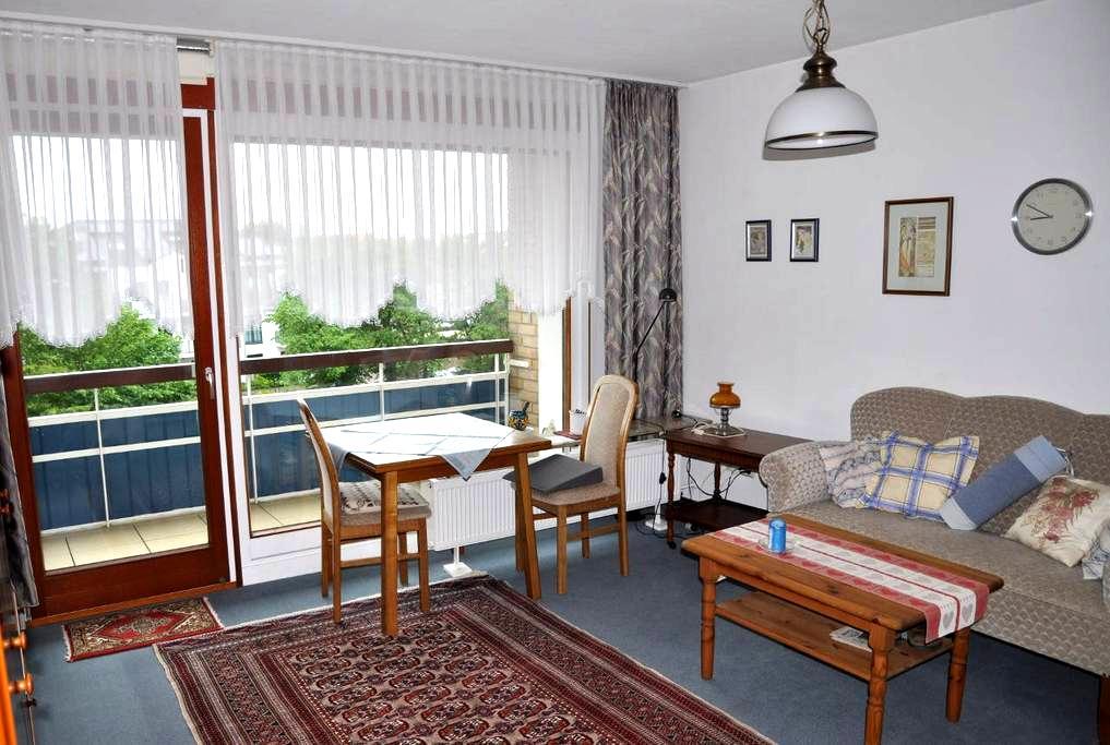 1 Raum Appartement mit Balkon, strandnah, zentral - Büsum