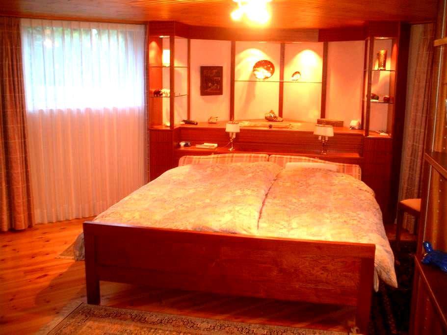 Chambre d'amis, un moment de détente inoubliable - Prêles - Bed & Breakfast