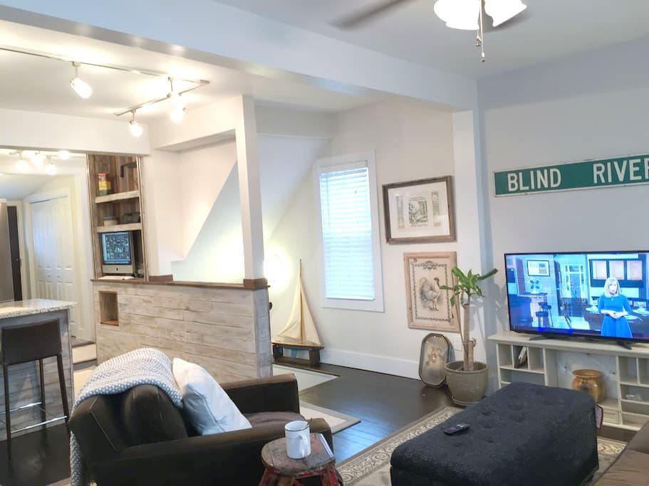 Charming Designer Retreat Home! - Spring Lake