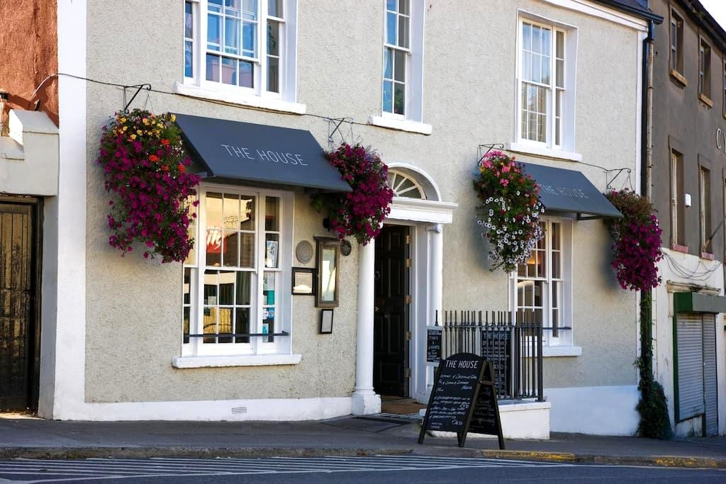 Howth Village Historic Townhouse Bed & Breakfast - Howth