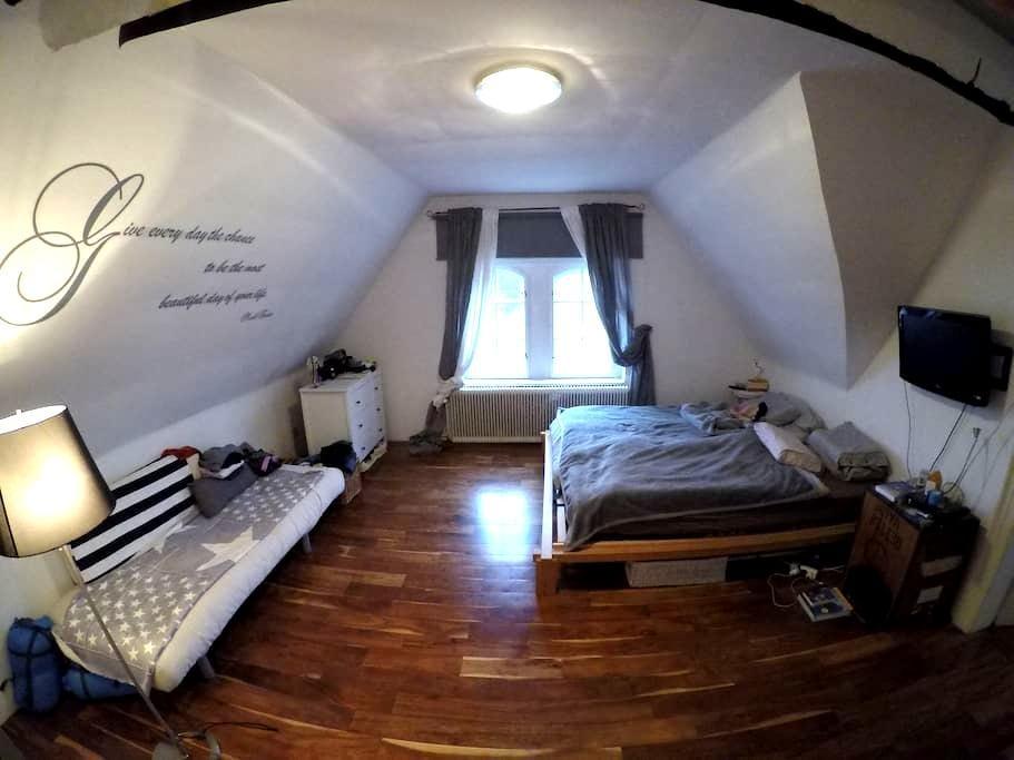 Zimmer für 3 Personen in einer Villa - Bad Sauerbrunn - Hus