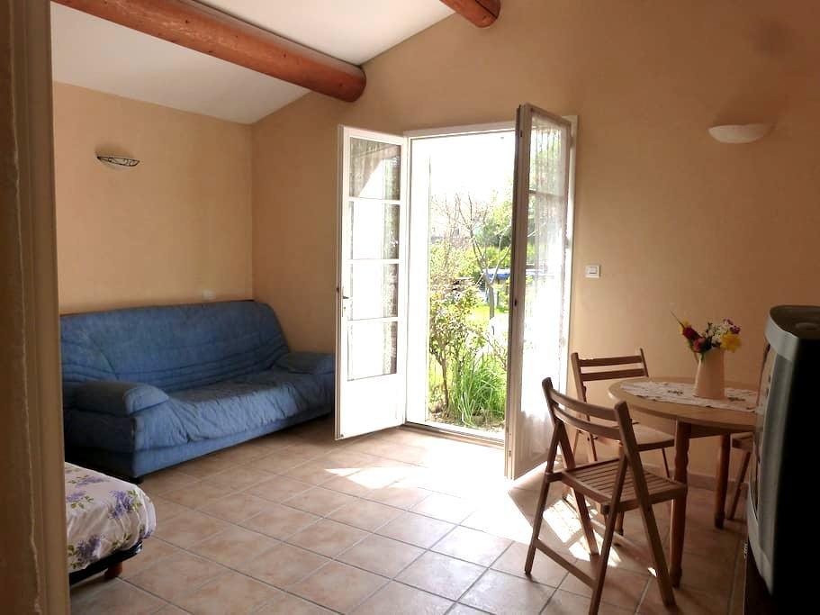 Studio vacances piscine proche du Mont Ventoux - Modène - Apartment