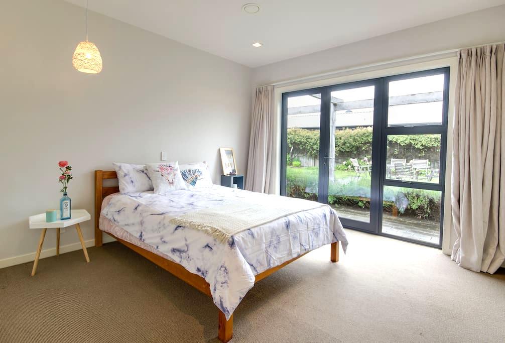 Hope Ave Sweet Studio-Elegant big room - Lake Hayes Estate - Bed & Breakfast