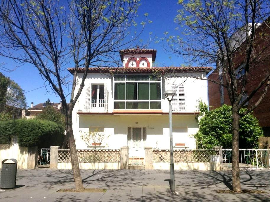Casa grande y luminosa - Girona Salt - Huis