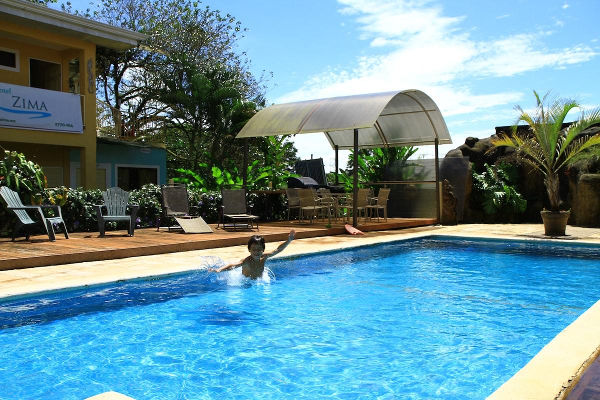 piscina y muy placentera ideal para relajarse