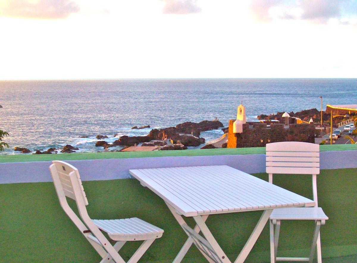 by the sea, casa canarina ...