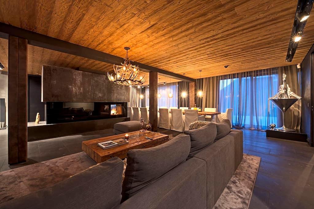 Luxury 3 bd, 3.5 bth + Sauna & Pool - Kappl