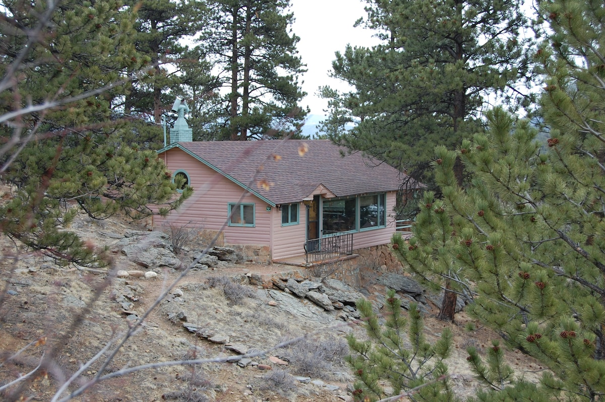 Rose Den- picture windows with views of Longs Peak