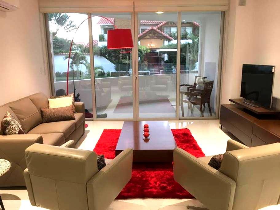 Bel appartement dans le quartier Las Palmas - Santa Cruz de la Sierra - Apartment