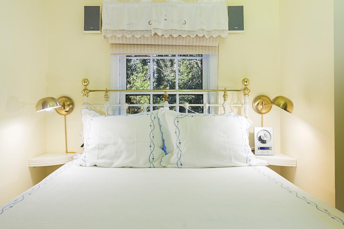 Fine linens,  sweet dreams