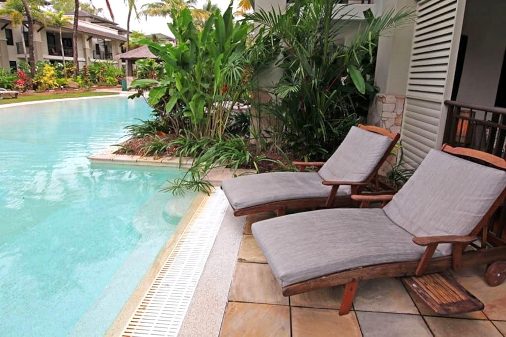 Sea Temple Port Douglas 131 Swim-out Apartment - Craiglie