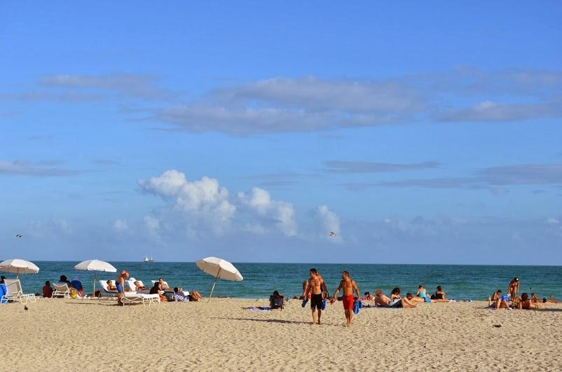 2 1/2 Blocks from Fabulous Ocean Drive Beach
