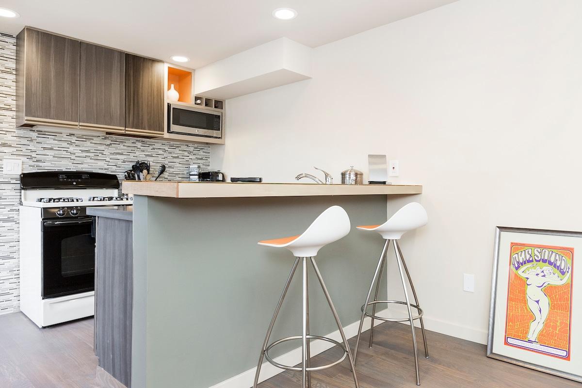 Modern Apartment w/ Stunning View