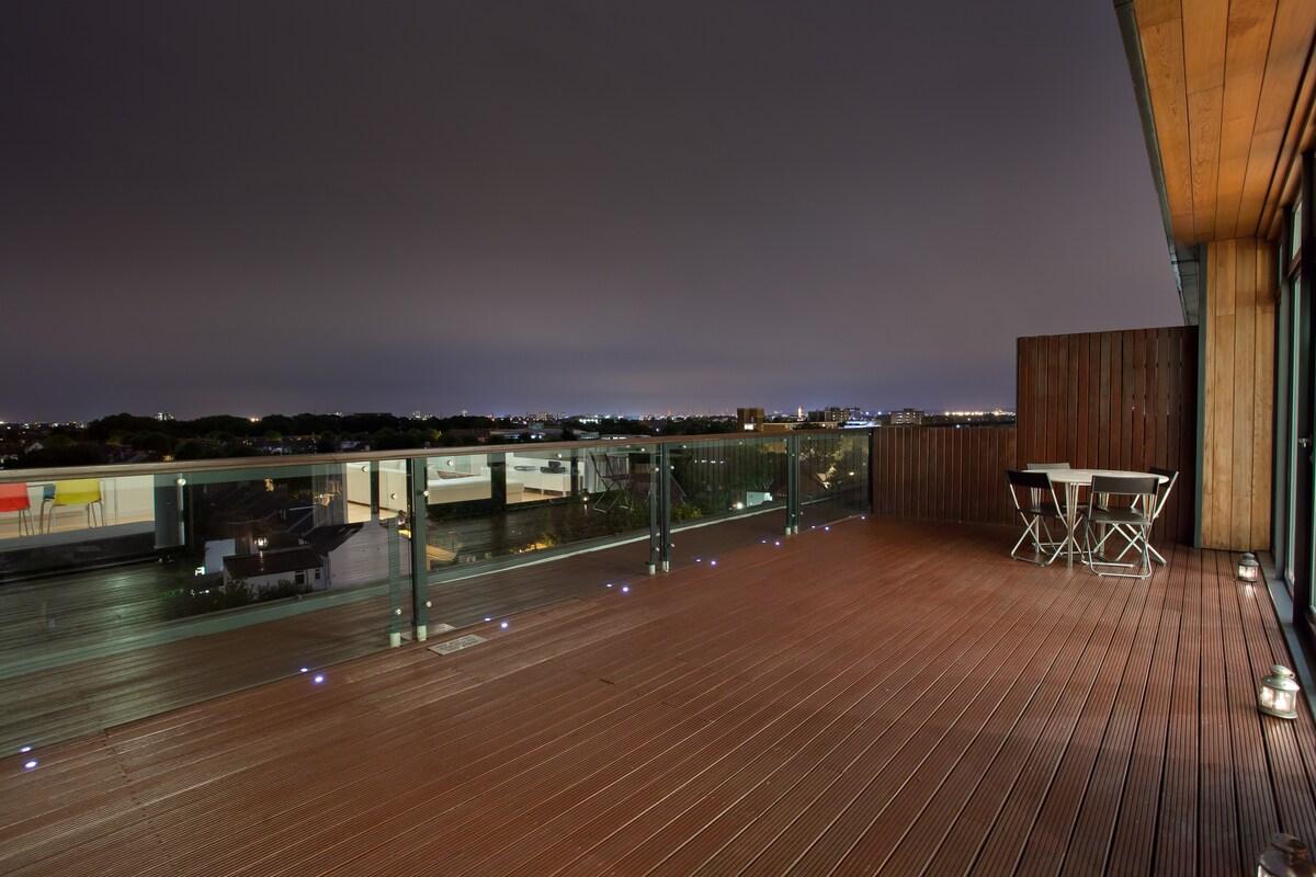 Luxury Penthouse Apt East London
